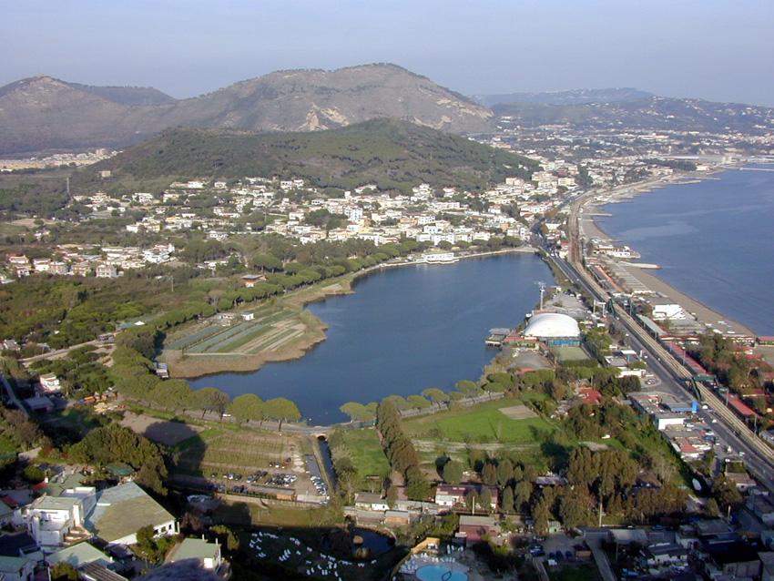 Pozzuoli partono i lavori per salvare il lago lucrino for Lago lucrino