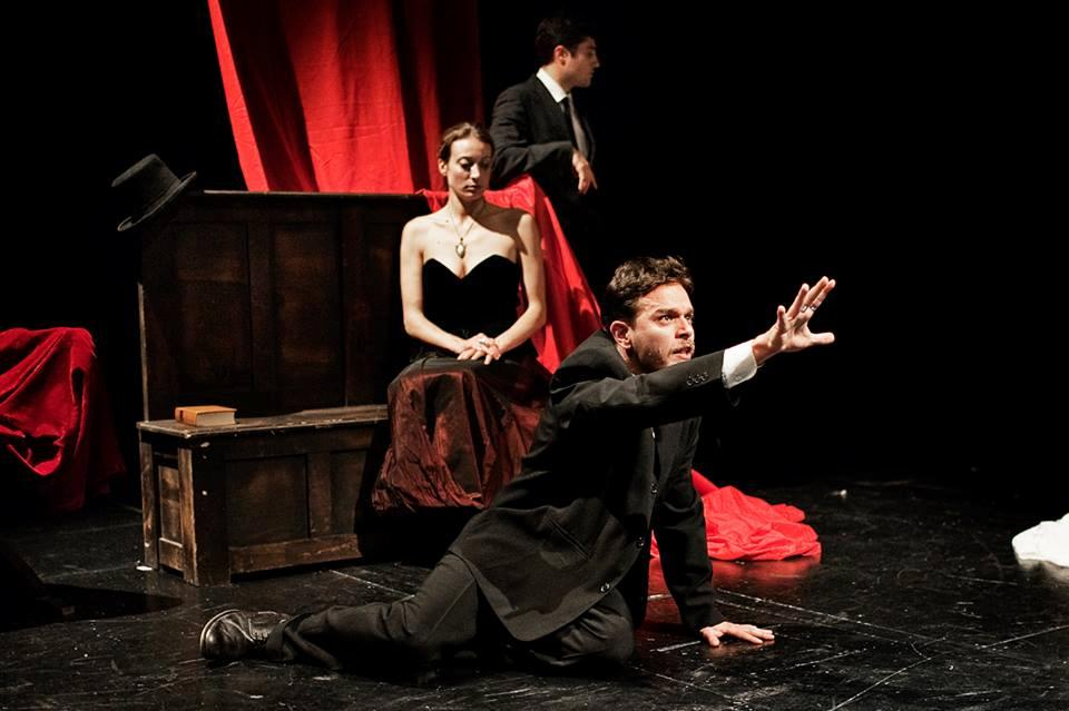 the mousetrap william shakespeare's hamlet in The mousetrap scene at the heart of hamlet, the meta-theatrical play 'the murder of gonzago' or the 'mouse trap scene' in act 3, scene 2, is a catalyst to the plot whose power to develop perspective foregrounds the uncertainty.