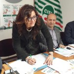 Lina Lucci firma il referendum