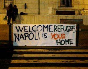 migranti-accolti-a-napoli