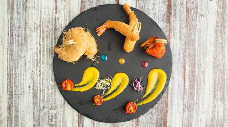 La cucina «rotonda» del Ra Ristosvago di Pozzuoli